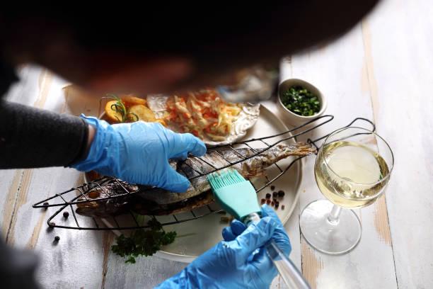 anordnung der gerichte. styling gerichte - küche deko blog stock-fotos und bilder