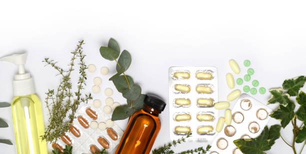 anordnung von gesundheitsprodukten - nahrungsergänzungsmittel stock-fotos und bilder