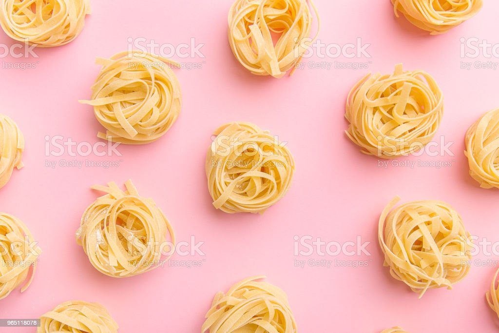 Arrangement of uncooked pasta zbiór zdjęć royalty-free