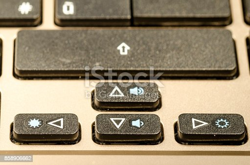 812823858istockphoto arrow, a keyboard detail 858906662