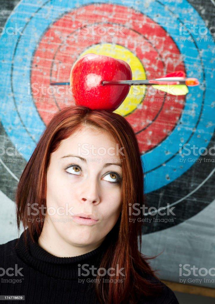 Pfeil und Apple Bogenschießen. – Foto