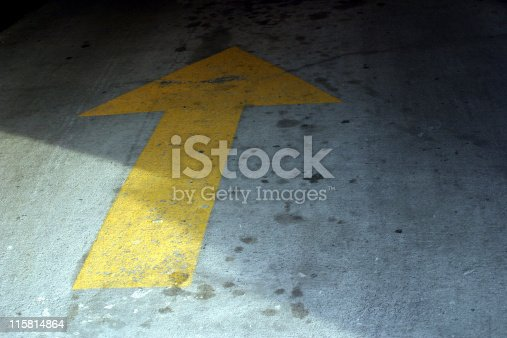 677206912 istock photo arrow 115814864