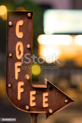 istock Arrow singboard design, focus on coffee shop 909688044