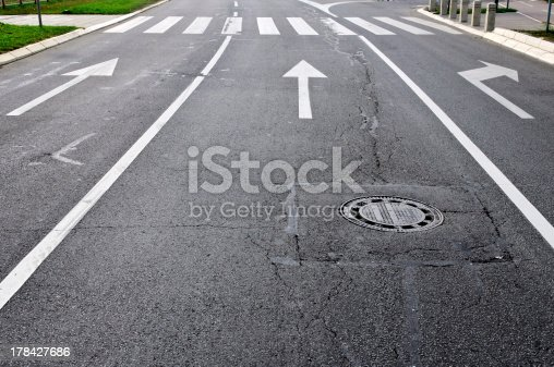 677206912 istock photo Arrows on the road 178427686