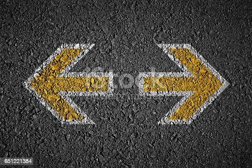 istock arrows opposite 651221384