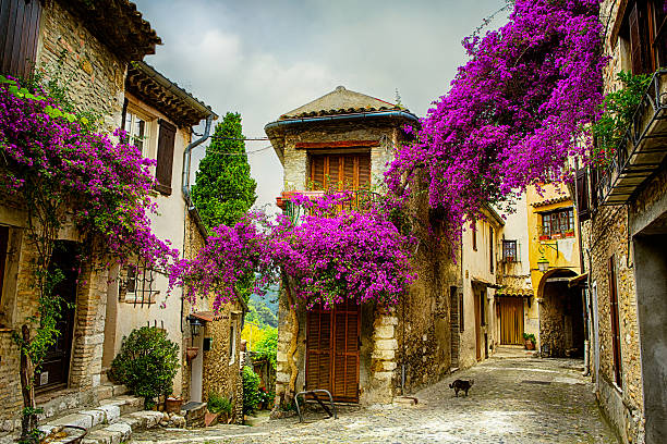 art beautiful old town of Provence beautiful old town of Provence provence alpes cote d'azur stock pictures, royalty-free photos & images