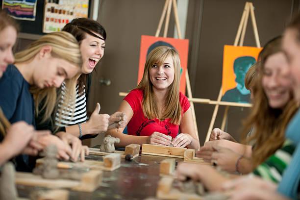 美術教室 - 美術の授業 ストックフォトと画像