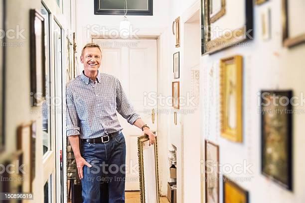 Art collector in old apartment corridor picture id150896519?b=1&k=6&m=150896519&s=612x612&h=g5itaiufe8awlhqmssaygebq9 aksuf qg85nim6td0=
