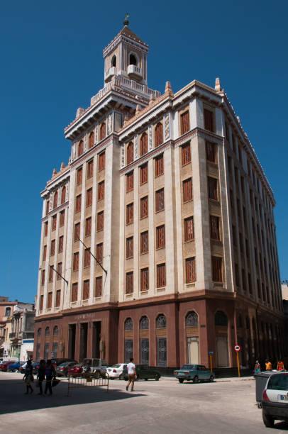 Art-Deco-Architektur in Alt-Havanna. Bacardi-Gebäude. Kuba – Foto