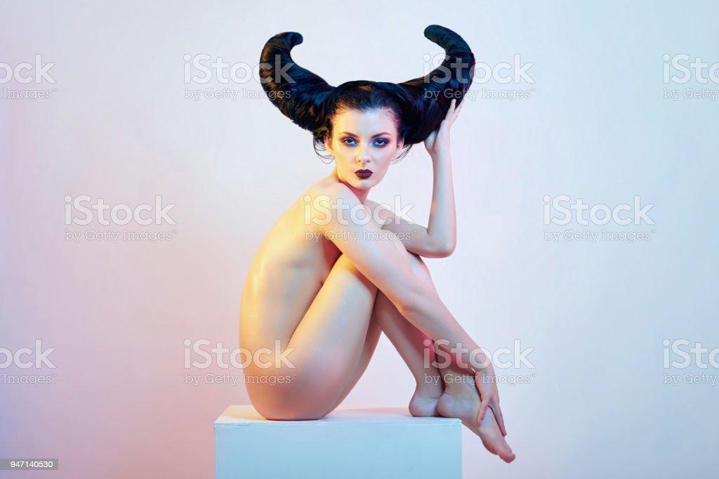 Nakedb Mädchen