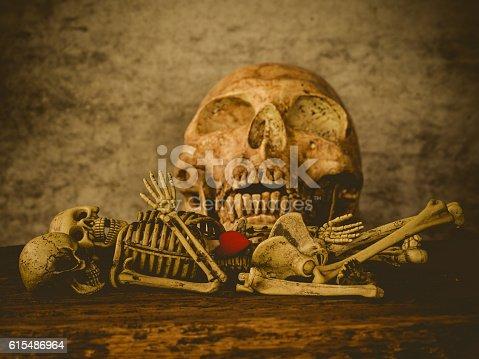 istock Art skull 615486964