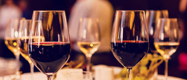 Art wine glasses on the table Art wine glasses on the table wine stock pictures, royalty-free photos & images