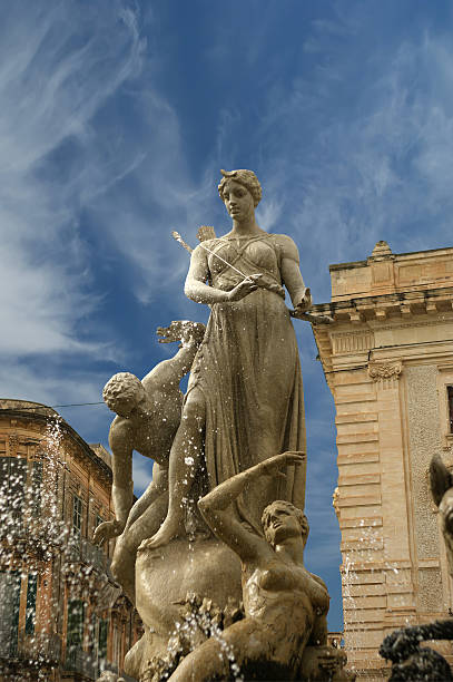 Artemide fountain. Syracuse (Siracusa, Sarausa),  Sicily, Italy Artemide fountain. Syracuse (Siracusa, Sarausa)-- historic city in Sicily, Italy artemis stock pictures, royalty-free photos & images
