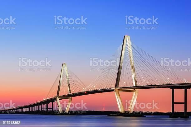 Arthur Ravenel Jr Cooper Riverhängebrücke Charleston Sc Stockfoto und mehr Bilder von Abenddämmerung