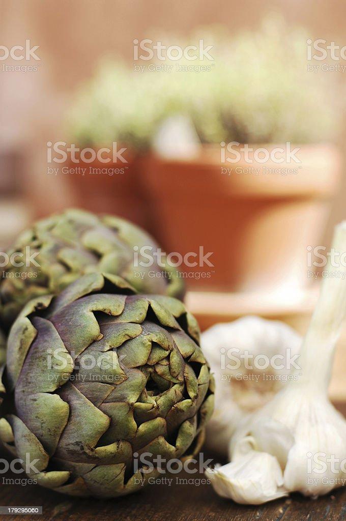 artichokes and garlic royalty-free stock photo