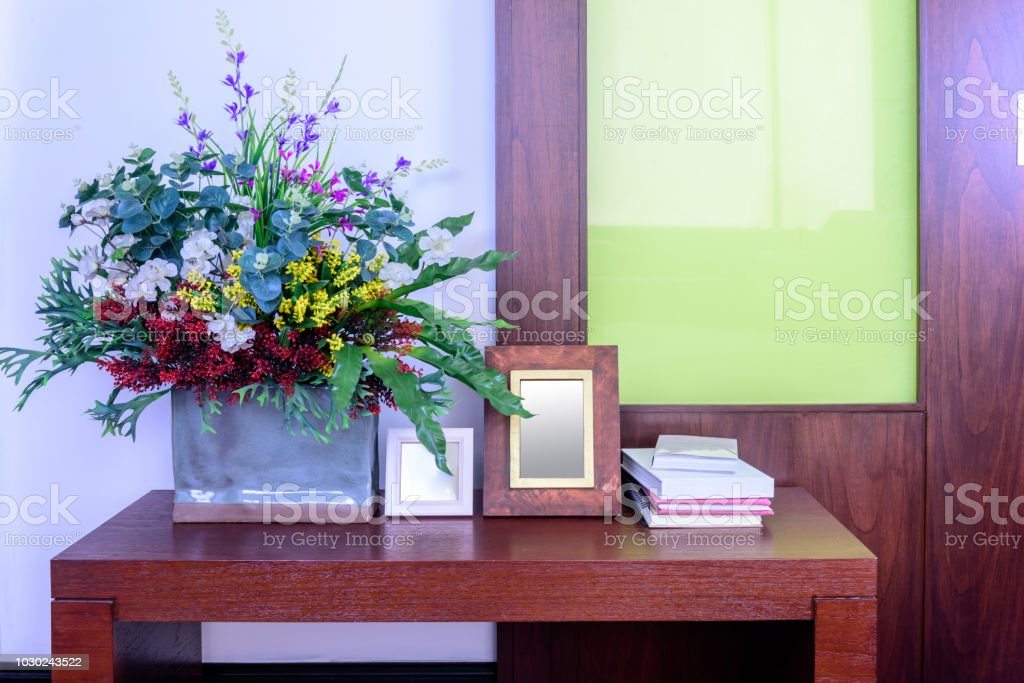 Artificial Flower Vase In Modern Living Room Home Improvement Design