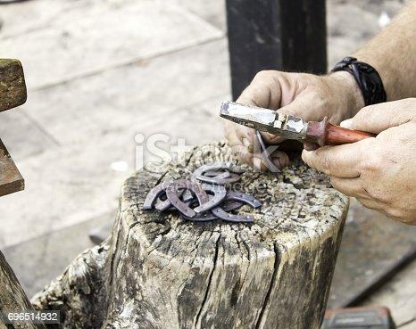istock Artisan molding iron 696514932