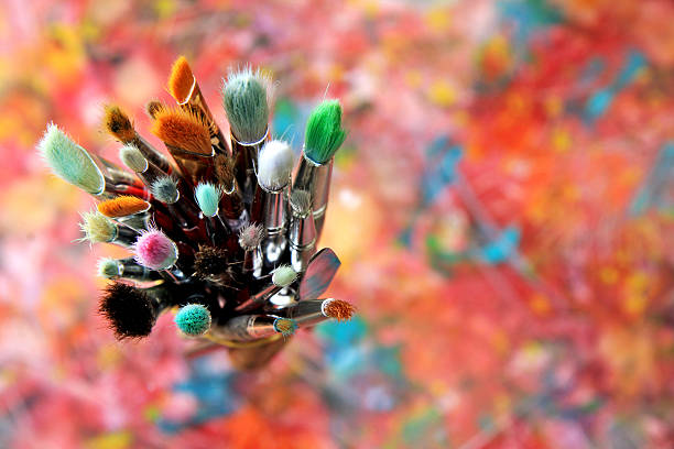 pinceles de artista - clase de arte fotografías e imágenes de stock