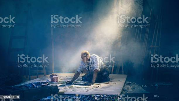 Artist painting picture in workshop rear view picture id839806218?b=1&k=6&m=839806218&s=612x612&h=yiofdc5qz0e 5xoxeavuplzurcuxzvmo 6wbbilatcm=