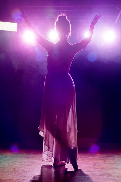 künstler salutieren der öffentlichen - stage musical stock-fotos und bilder