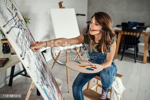 istock Artistic girl 1151581014