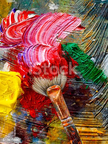 186199100istockphoto Artists Paint Palette and Brushes 512815590