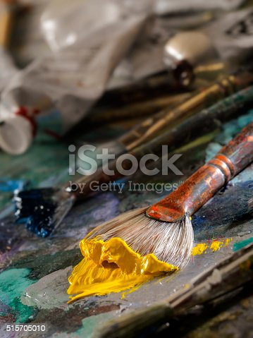 186199100istockphoto Artists Paint Palette and Brushes 515705010