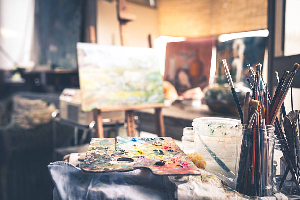 Artiste avec brosses de Palette - Photo