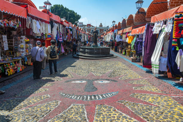 Arts and Crafts in Puebla, Mexico Puebla, Mexico - March 2: Arts and crafts shops in the Artists Quarter in Puebla, Mexico on March 2, 2017 puebla state stock pictures, royalty-free photos & images