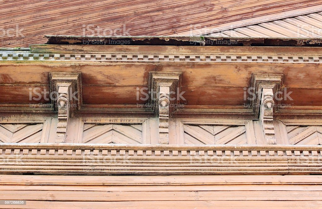 artsy decor trim and classic old wooden house. triangular patterns photo libre de droits