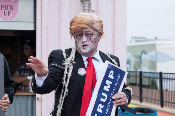 asbury park zombie walk 2016 - donald trump us president стоковые фото и изображения