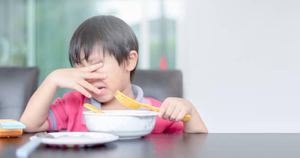 asian boy - slow food foto e immagini stock