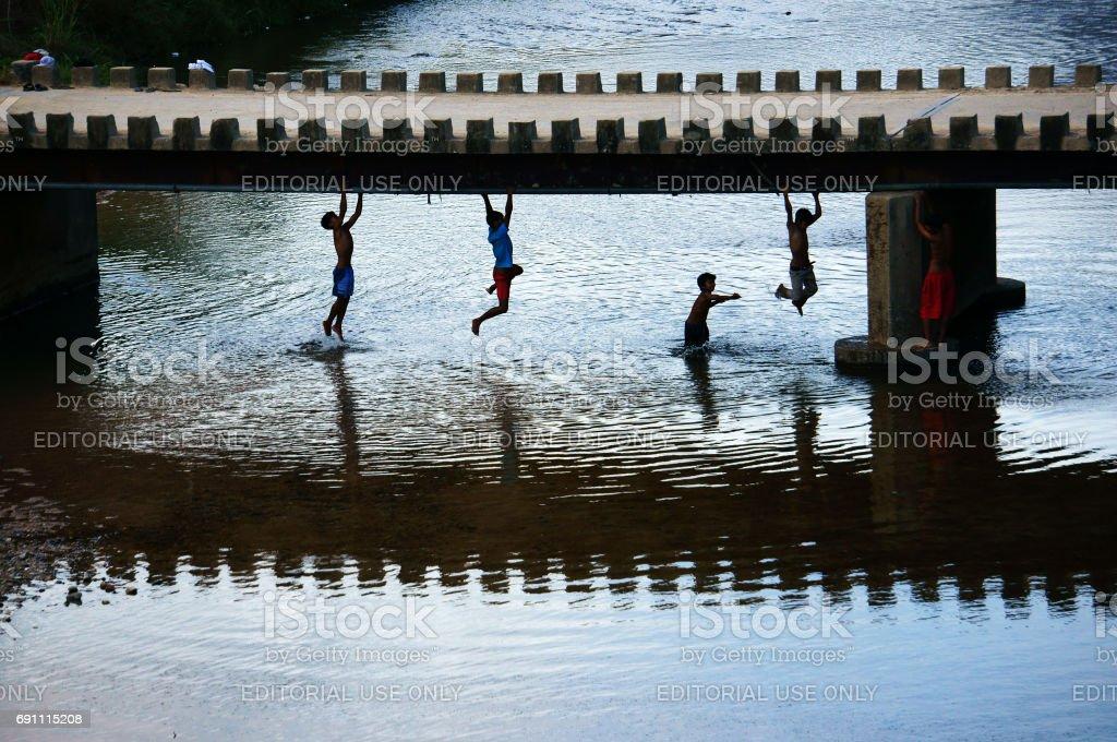 Asiaten mit Sommerspaß – Foto