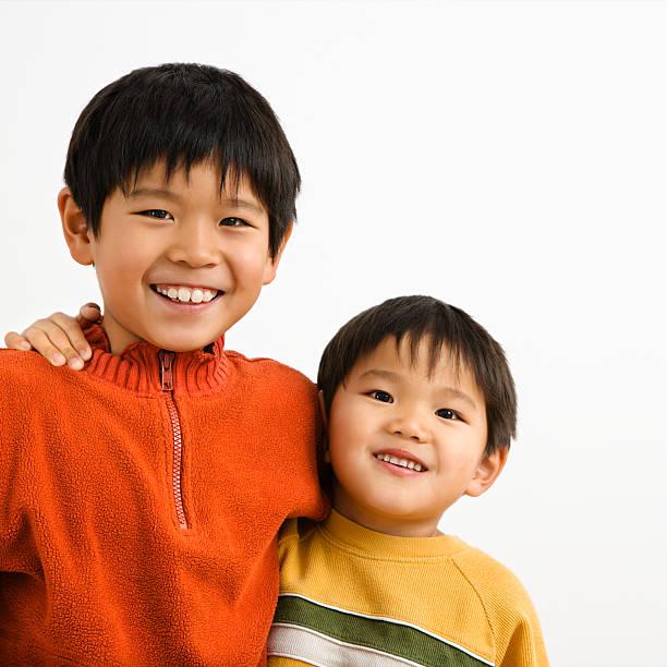 アジア人の兄弟 ストックフォト