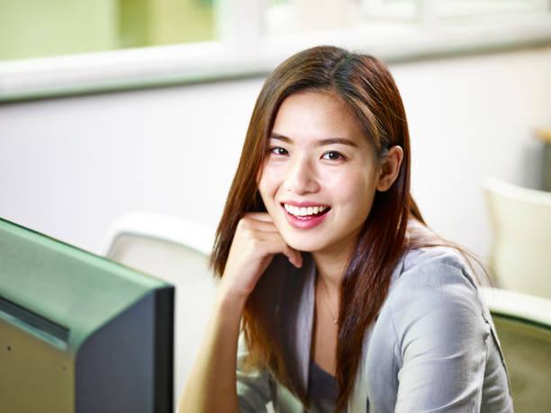 アジアビジネスの女性のオフィス ストックフォト