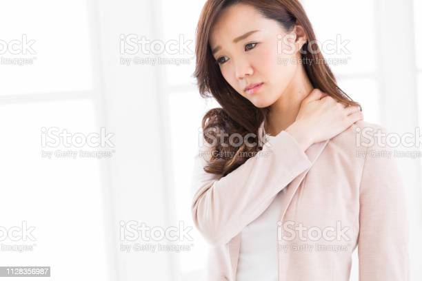 Asian businesswoman picture id1128356987?b=1&k=6&m=1128356987&s=612x612&h=zu2dwo0agzqpu7cwp ol8tzwntocruf1os2uncwwdye=
