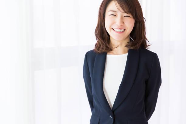 アジアビジネスウーマン - ビジネスフォーマル ストックフォトと画像