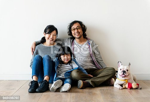 istock Asian family buy new house 945456292