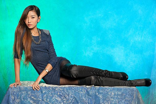 Moda modelo asiático - foto de acervo