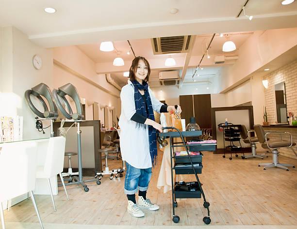 アジア美容院では、お仕事にも、ヘアサロン - 美容室 ストックフォトと画像