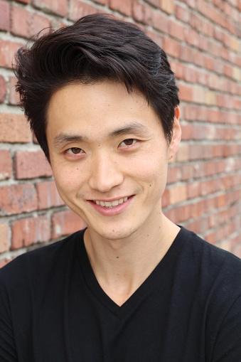 689644378 istock photo Asian Man Portrait Smiling Isolated 846322412