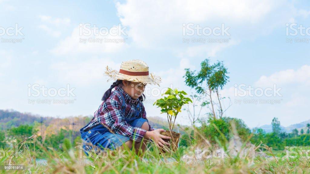 Asiatische Mutter Und Mädchen Bäume Gepflanzt Glückliche