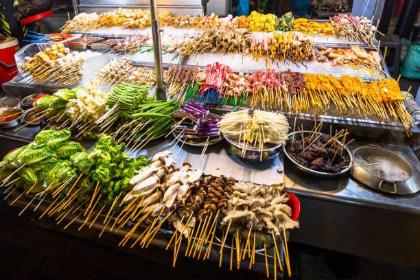 asian street food - streetfood stock-fotos und bilder