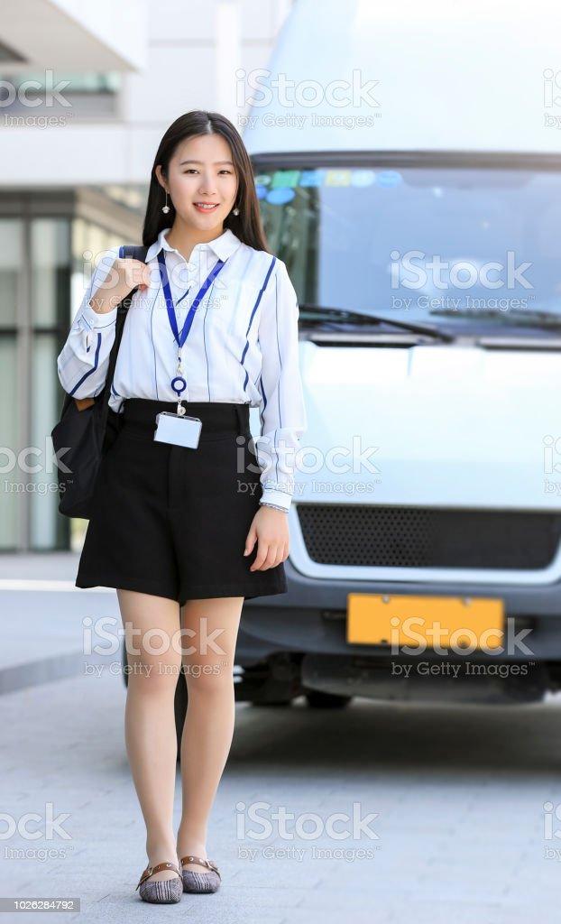 Девушка модель работы школы описание засветы на работе девушек фото