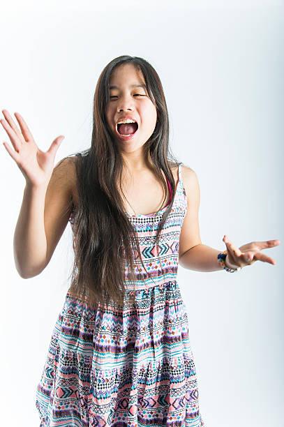 asiatische teenager - - one song training stock-fotos und bilder