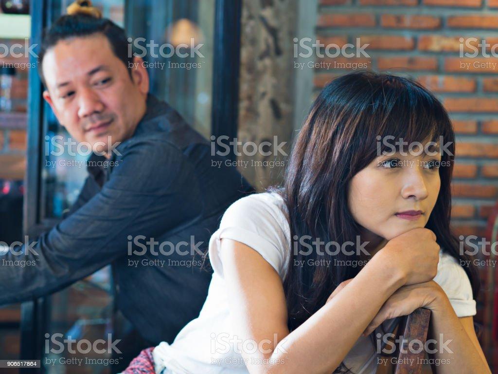 Carlos leon dating