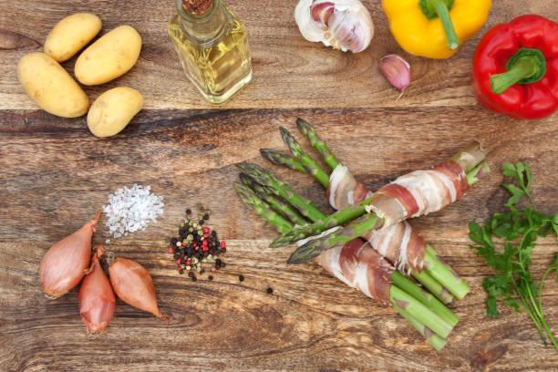 spargel und gemüse zum grillen - essensrezepte stock-fotos und bilder