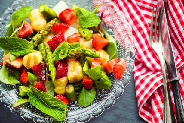 spargel-salat - spargel vegan stock-fotos und bilder