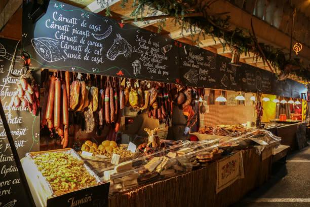 aspekte von weihnachtsmarkt, timisoara, rumänien - besteck günstig stock-fotos und bilder