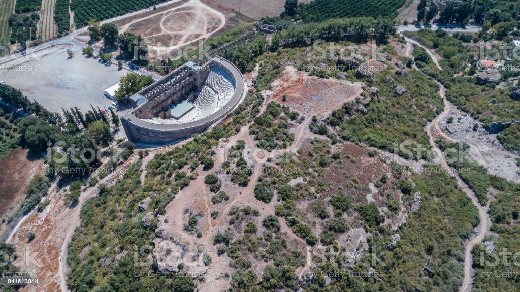 Aspendos Antik Roma Tiyatrosu havadan görünümü fotoğraf stok fotoğrafı